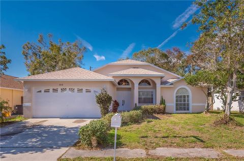 1818 Winwood Dr, Clearwater, FL 33759
