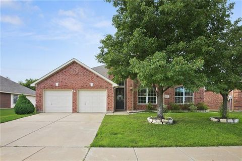 Photo of 5045 Comstock Cir, Fort Worth, TX 76244