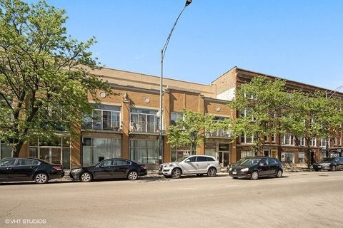 Photo of 1616 W Montrose Ave Apt 3 J, Chicago, IL 60613