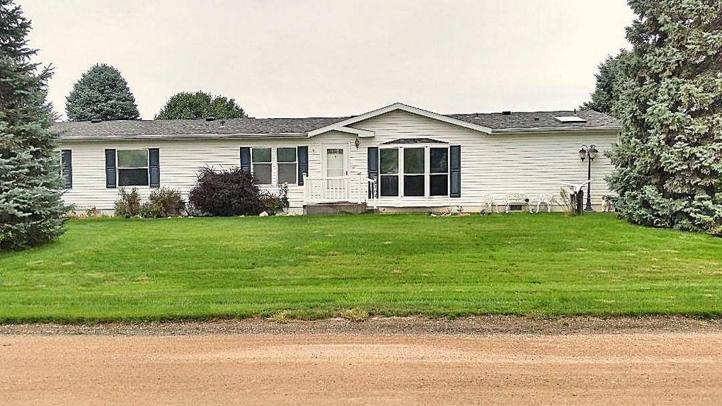 2102 Rodeo Ave, North Platte, NE 69101
