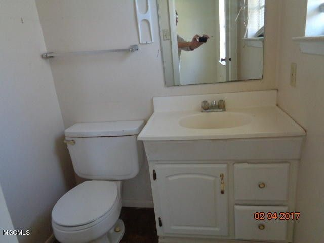 908 Sycamore Dr, Gulfport, MS 39503