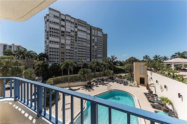 4451 Gulf Shore Blvd N Apt 301, Naples, FL 34103