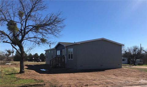 Photo of 711 Edna St, Tow, TX 78672