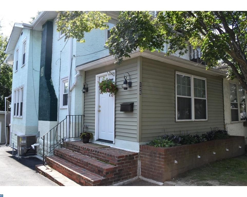 126 Willows Ave, Norwood, PA 19074