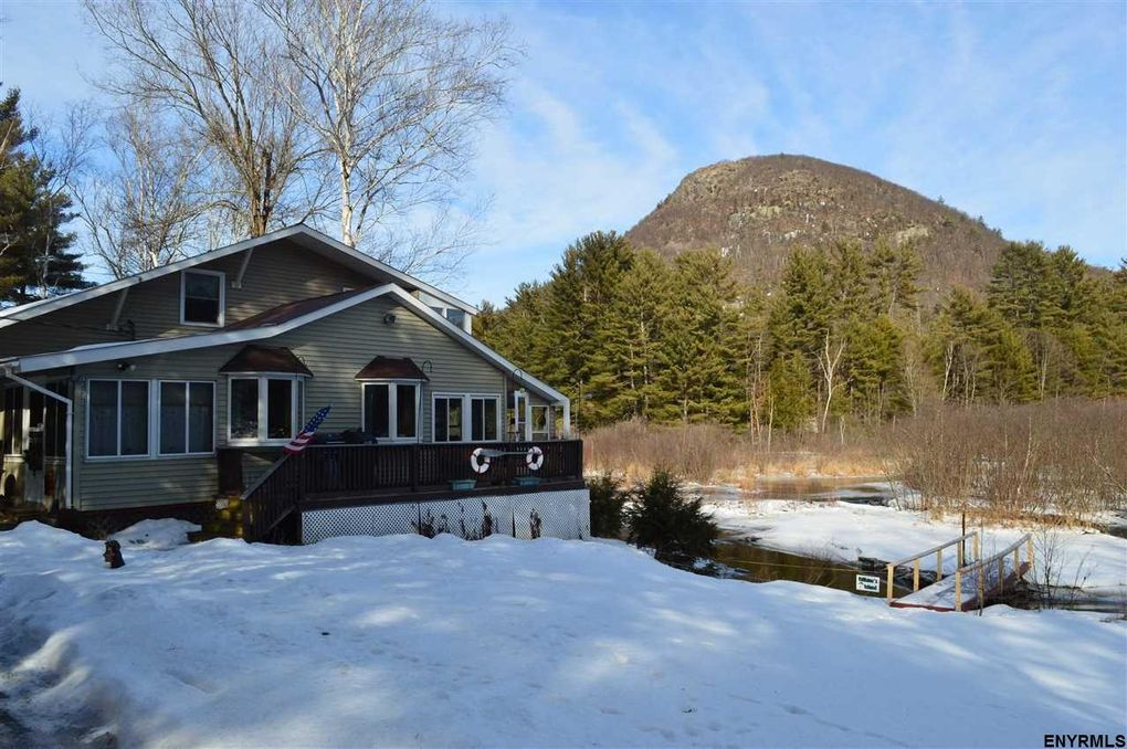 146 Old Stage Rd, Lake Luzerne, NY 12846