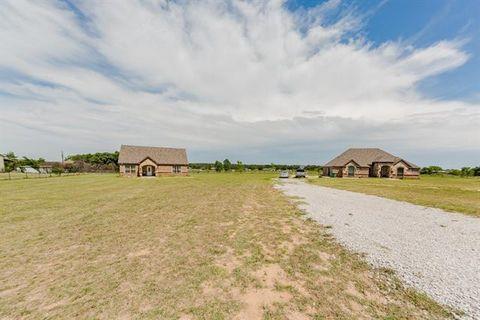 Photo of 255 County Road 3383, Paradise, TX 76073