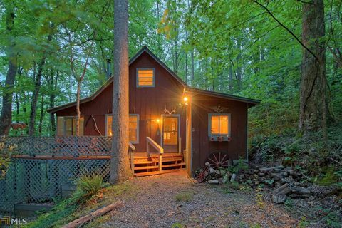 Photo of 549 Chestnut Mountain Dr, Rabun Gap, GA 30568