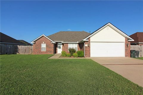 Photo of 3111 S G St, Rogers, AR 72758