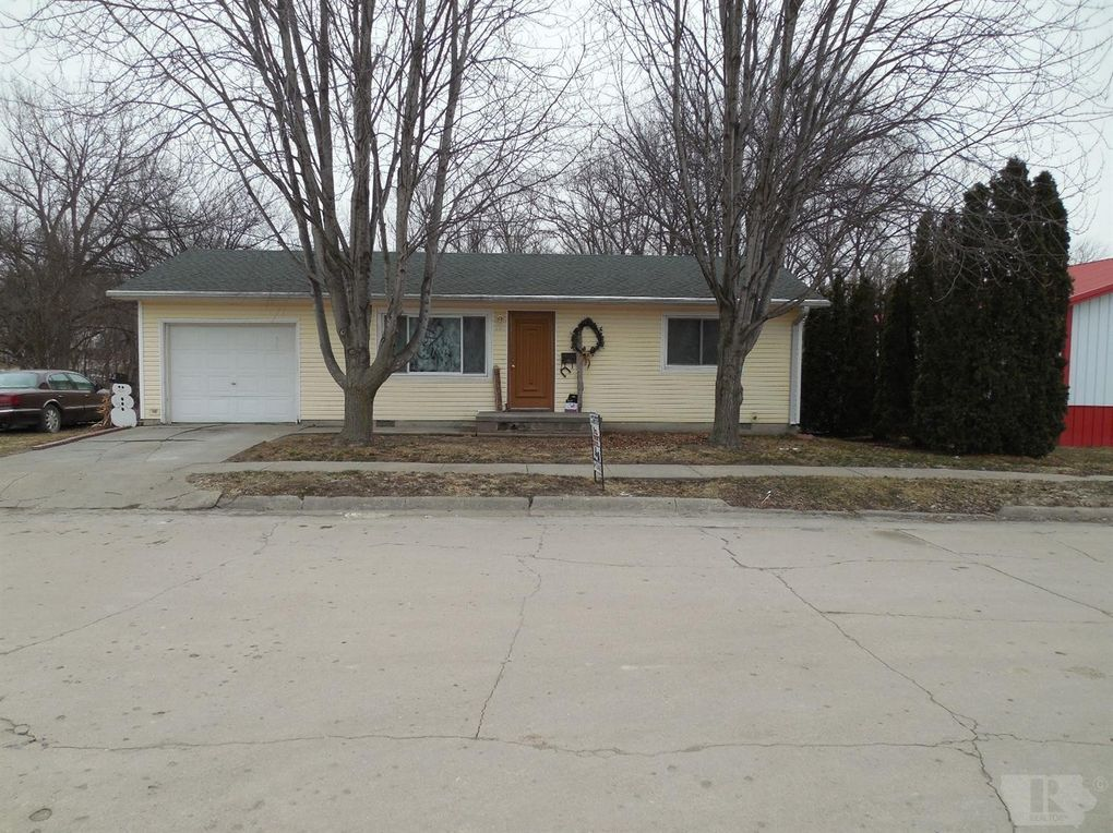 207 S Water St Rock Port, MO 64482