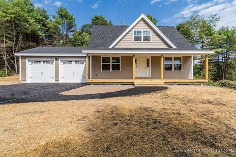 Photo of 10 Cyprus Hill Dr, Windham, ME 04062