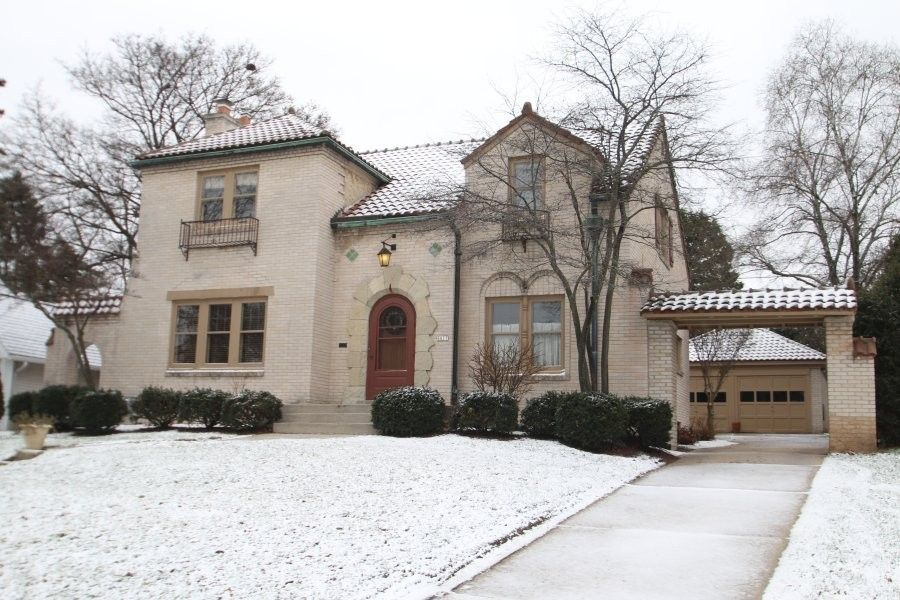 6617 Revere Ave, Wauwatosa, WI 53213