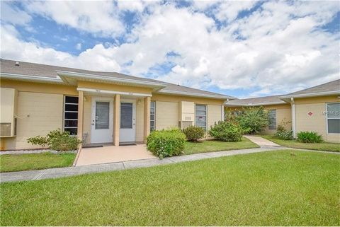 Photo of 1915 Club Cir, Lake Wales, FL 33854