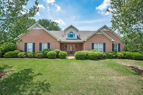 105 Stoney Creek Dr, Florence, AL 35633