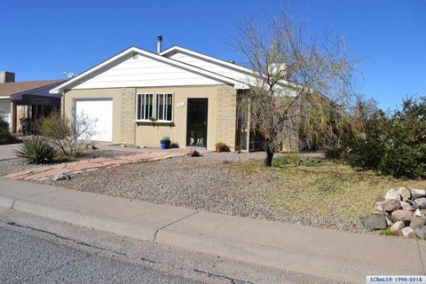 501 Covellite Dr, Tyrone, NM 88065