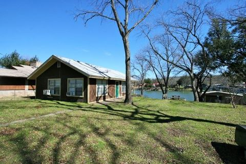 2442 Williams Lakeshore Dr, Kingsland, TX 78654