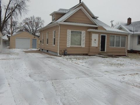 126 E 5th St, Hastings, NE 68901
