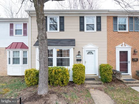 Photo of 1708 Aberdeen Cir, Crofton, MD 21114
