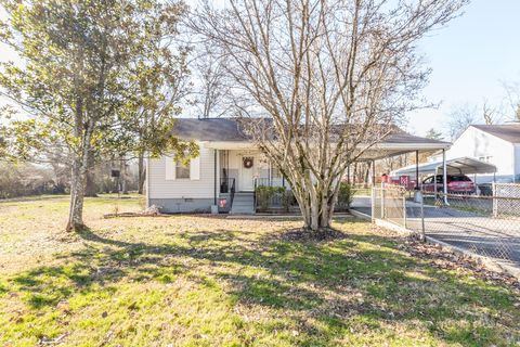 Photo of 6 Stovall St, Fort Oglethorpe, GA 30742