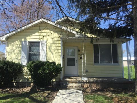 122 S 5th St, Fremont, OH 43420
