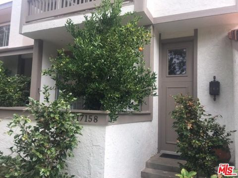 Photo of 17158 Palisades Cir, Pacific Palisades, CA 90272
