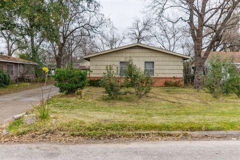 Photo of 218 Ishmeal St, Houston, TX 77076