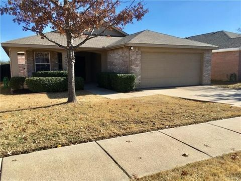 9344 Goldenview Dr Fort Worth TX 76244