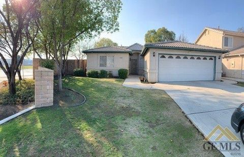 Photo of 3001 Seaview Dr, Bakersfield, CA 93312