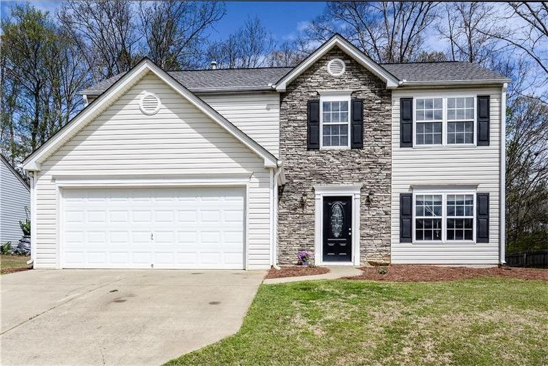 8440 River Hill Commons Dr, Ball Ground, GA 30107