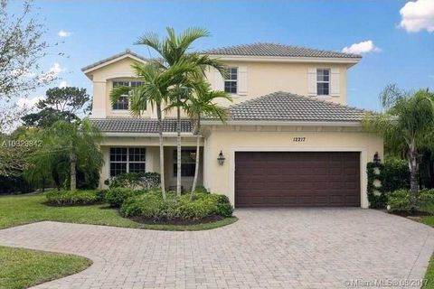 12217 Aviles Cir, Palm Beach Gardens, FL 33418