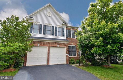 Photo of 4747 Montega Dr, Woodbridge, VA 22192