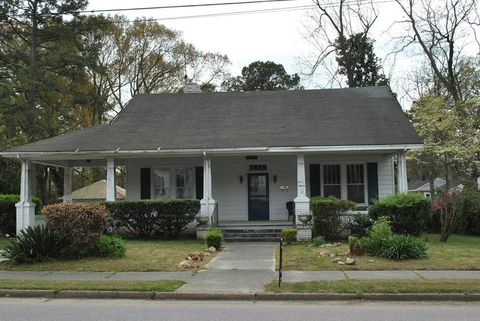 Photo of 315 W Burnette Ave, Enfield, NC 27823