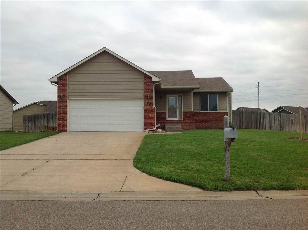5502 S Elmhurst Cir Wichita, KS 67216