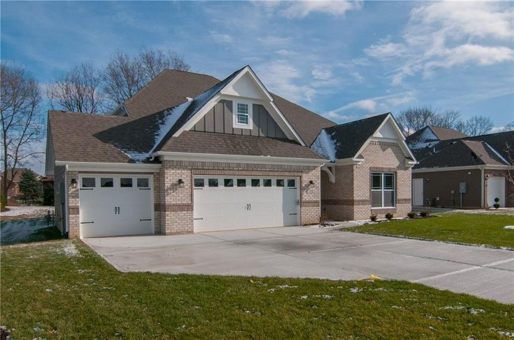 479 Westberry Ln, Greenwood, IN 46142