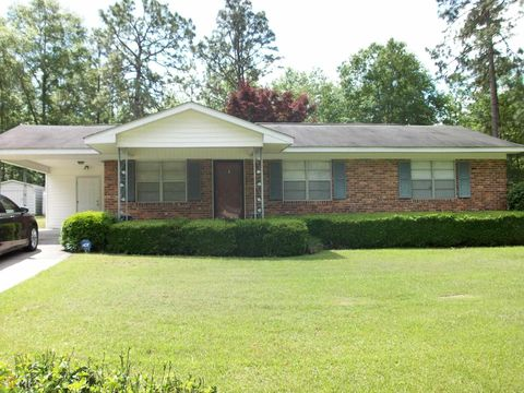Photo of 538 Colegrove Dr, Swainsboro, GA 30401. House for Sale