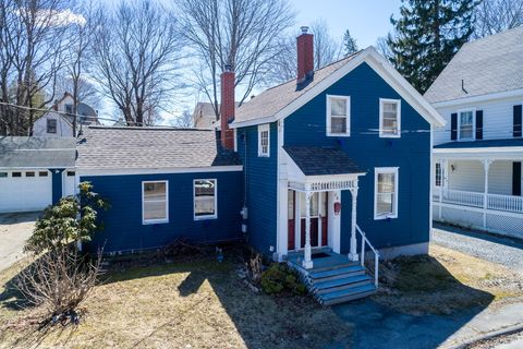 Photo of 84 Green St, Bath, ME 04530