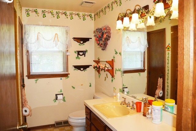 Bathroom Remodeling Joliet Il 811 diamond k ln, joliet, il 60433 - realtor®