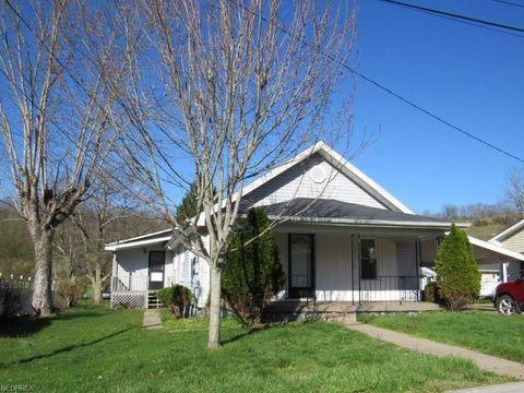 106 5th St, Spencer, WV 25276
