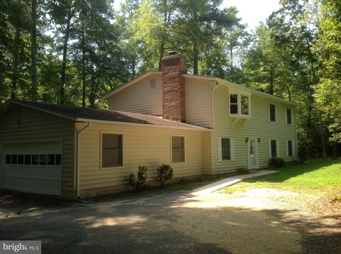 Photo of 23018 Pine Needle Ct, California, MD 20619