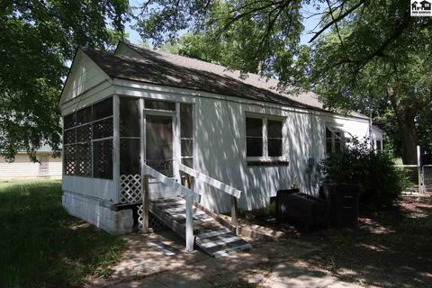 Photo of 501 N 1st St, Canton, KS 67428