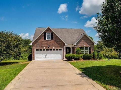 106 Jesslyn Ct, Shelby, NC 28150