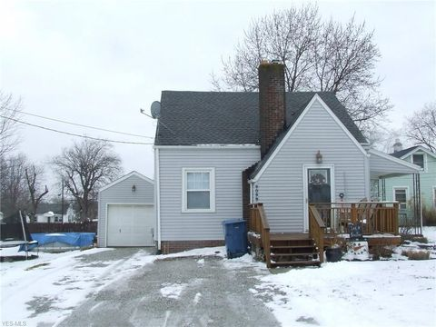 Photo of 4099 Chester Ave, Louisville, OH 44641