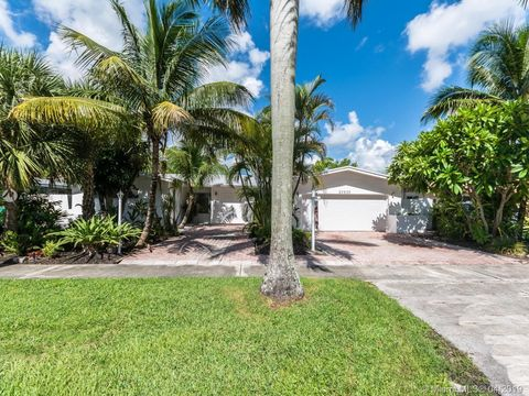 Photo of 20530 Highland Lakes Blvd, Miami, FL 33179