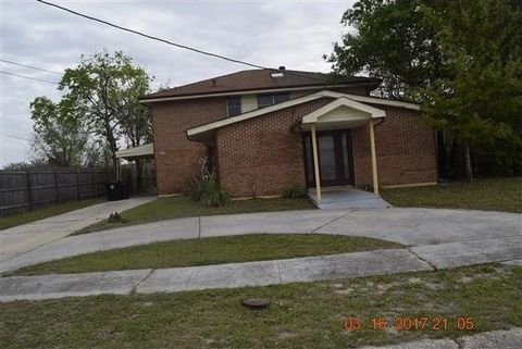 5411 Piety Dr, New Orleans, LA 70126