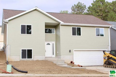 Photo of 2112 S Henry, Sioux City, IA 51106