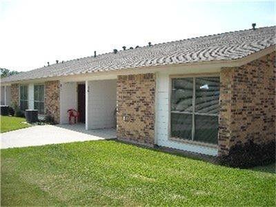 Photo of 114 W 10th St, Nixon, TX 78140