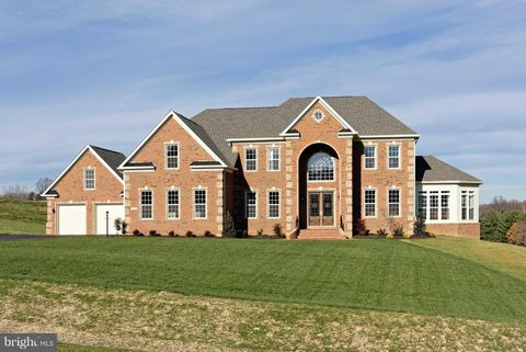 Photo of 7410 Haven Ct, Highland, MD 20777