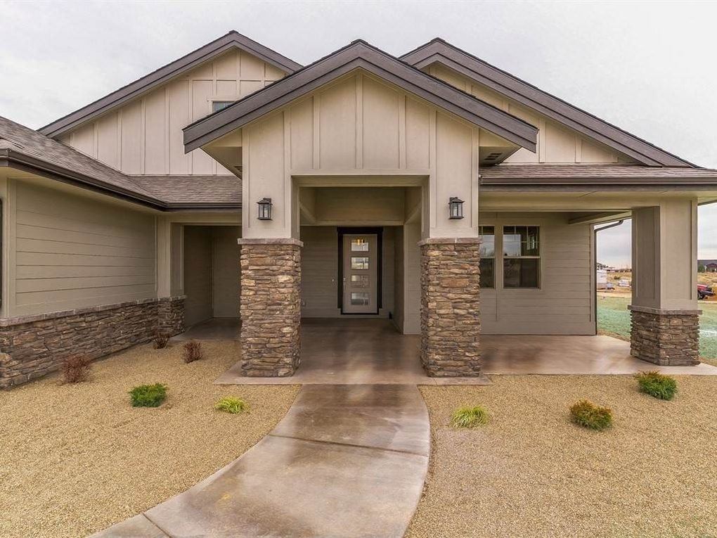 24405 Tombstone Ridge Ct, Middleton, ID 83644