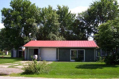 105 Church St, Pierson Station, IL 61929
