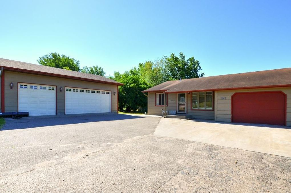 11912 192nd Ave Nw, Elk River, MN 55330