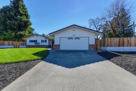 Lovely Photo Of 1046 Lake Glen Way, Sacramento, CA 95822. House For Sale
